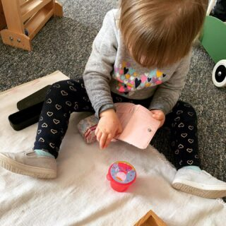 "This toddler is using ""opening/closing work"", which consists of different containers that can be opened and closed. This work helps with fine motor skills and also builds spatial intelligence as they explore how different pieces fit together! 🎉 #montessori #toddlerlife #school"