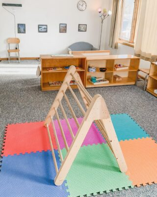 "When you walk into a traditional preschool, the first thing you might notice is the classrooms bright and colorful decorations. Plastic toys may clutter your view. In a traditional Montessori classroom, you will see only a few carefully selected Montessori materials on the walls. you'll find mostly wooden furniture, open shelves, and high quality wooden Montessori materials! Visitors/parents often describe Montessori classrooms as ""minimalist."""
